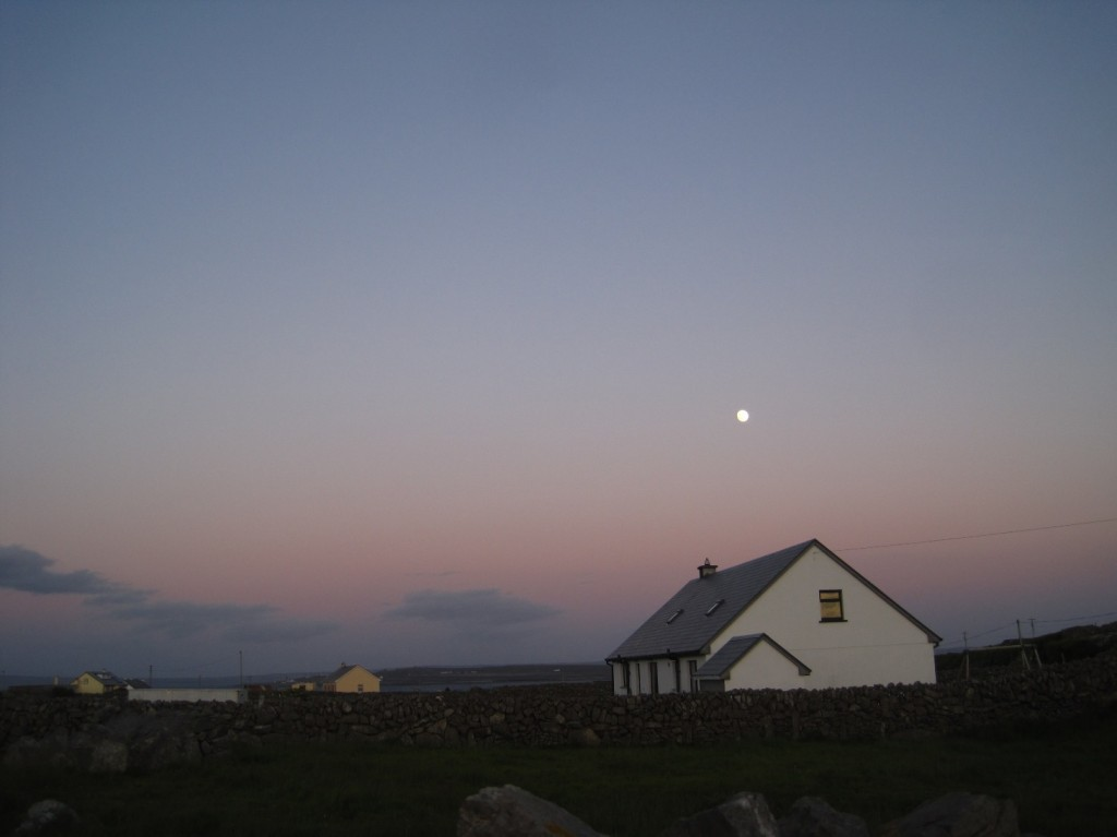 moonrise over paraics