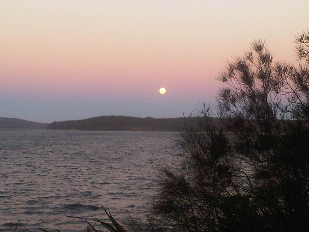 Full moon Lake Macquarie 17 Jan 2014 (8)